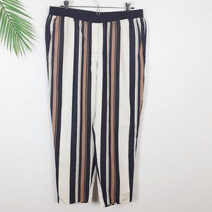 Ann Taylor Striped Pull on Cropped Pants Medium